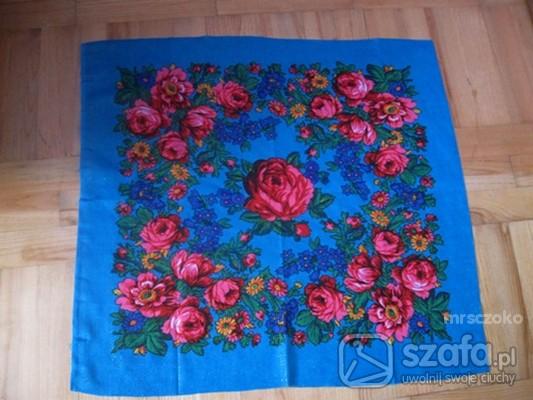 Chusty i apaszki Kolorowe kwiaty FOLK
