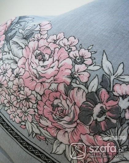 Chusty i apaszki szarosci i pódrowy róż XL