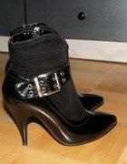 Czarne lakierkowe botki...