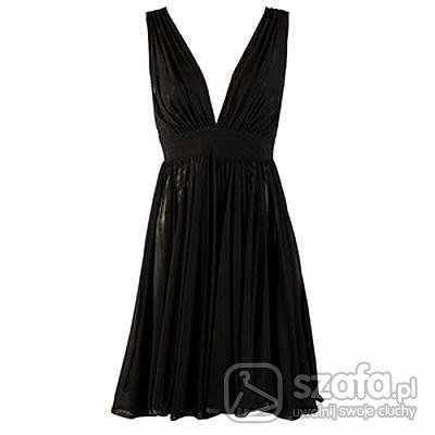 Eleganckie czarna koktaljlowa i perły