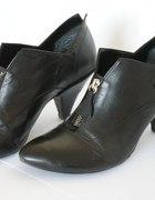 czarne botki z suwakiem