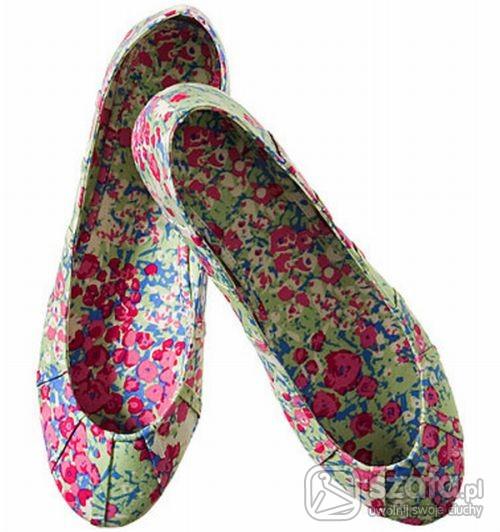 Buty w kwiatki balerinki H and M