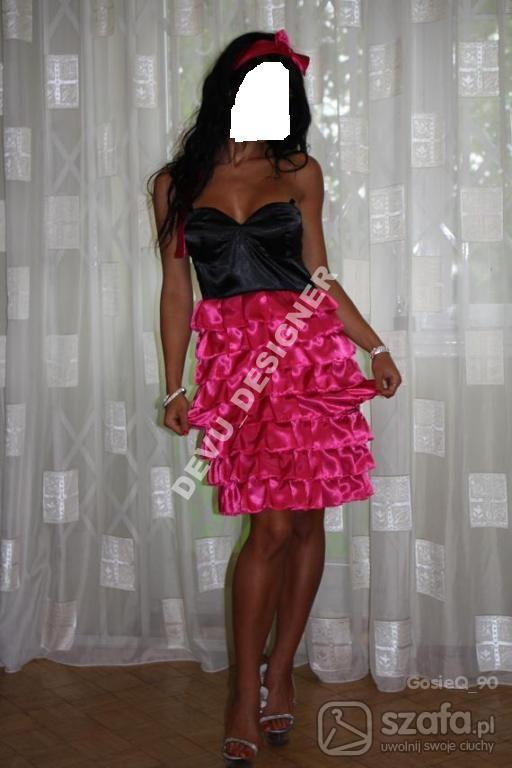 falbaniasta sukienka