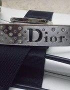 Mała torebeczka Dior...
