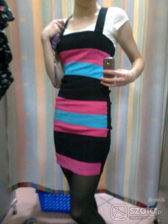 Imprezowe paskowana sukienka