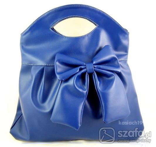 Niebiesiutka torebka...