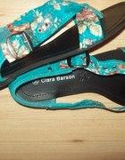 sandalki w kwiaty