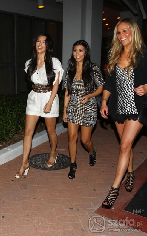 Eleganckie Kardashian sisters