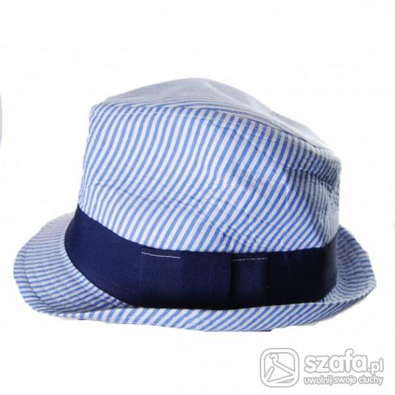 kapelusz marynarski styl