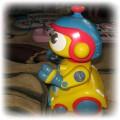 ROBOT CHODZI MOWI