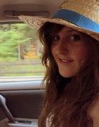 Słomiany kapelusz i wiejskie klimaty