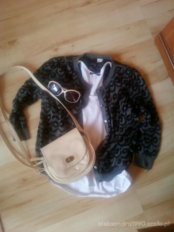 Mój styl Mój zestaw sweterek grafitowy i biały top