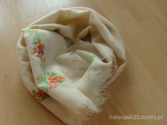 Chusty i apaszki góralska chustka w kwiaty