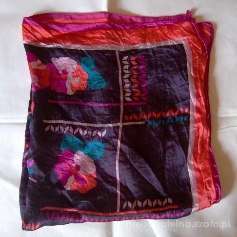 Chusty i apaszki kolorowa apaszka