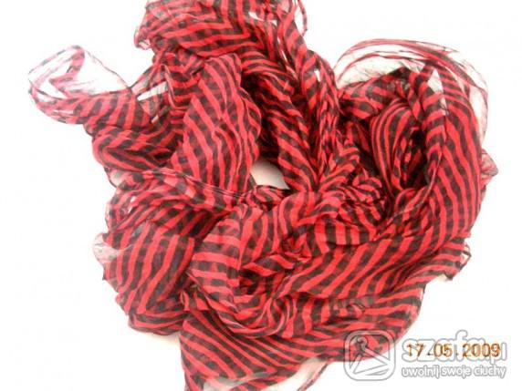 Chusty i apaszki czarno czerwona apaszka