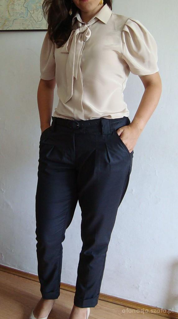 Eleganckie Nudes ze spodniami