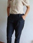 Nudes ze spodniami