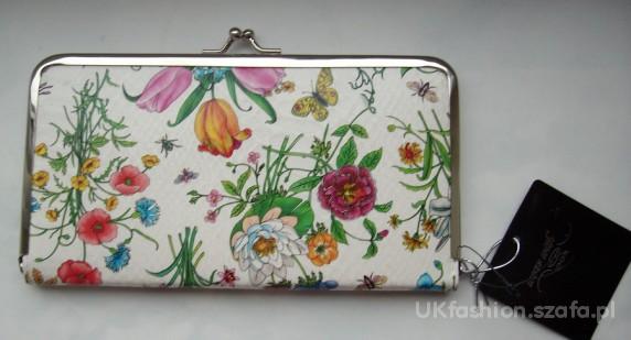 05b32237ccad NEW LOOK portfel w kwiaty kwiatki bialy portmonetk w Portfele - Szafa.pl
