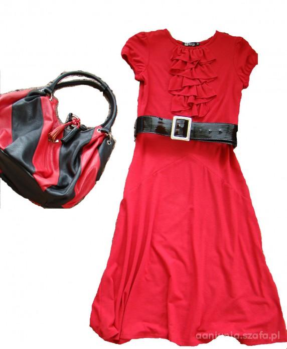 Do pracy Czerwień jest w modzie