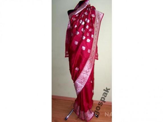 Piękne ślubne sari