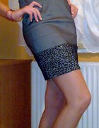 Szara sukienka panterka