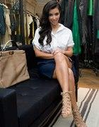 Kim Kardashian kobieco i romantycznie