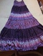 fioletowa letnia suknia w kwiatki