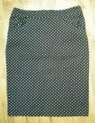 ołówkowa spódniczka w kropki