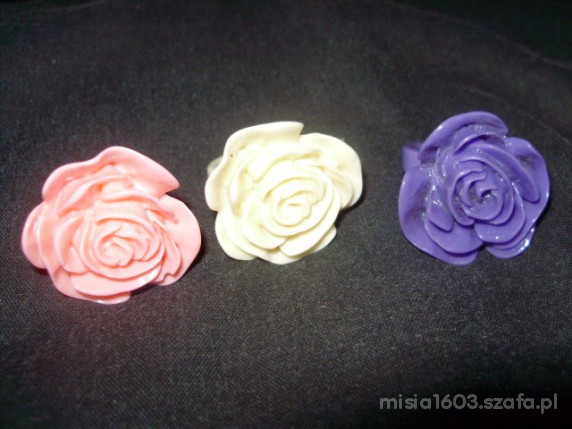 Pierścionki z róża 3 kolory