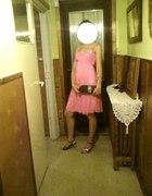 Różowowa sukienka