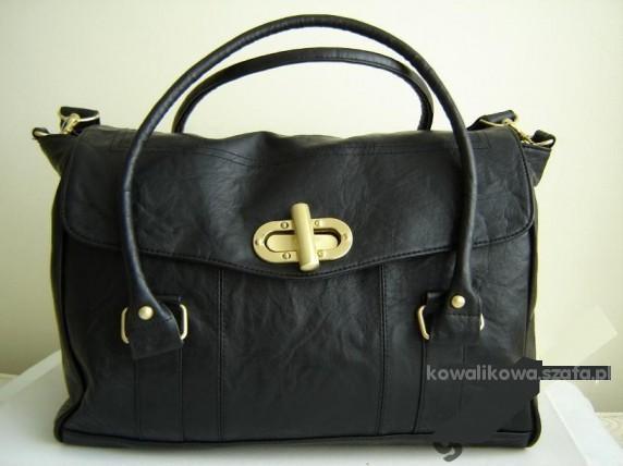 czarna torebka ATMOSPHERE