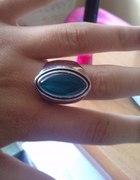 niebieski pierścionek