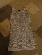 sukienka bezowa