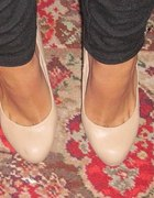 Pudrowy roz atmosphere laboutin nude cieliste