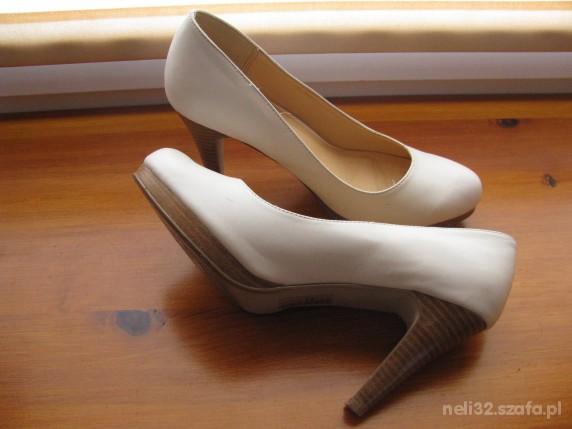 białe szpilki