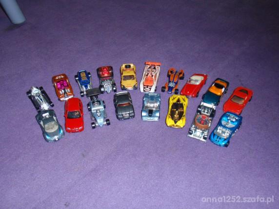 Zabawki samochodziki hot wheels