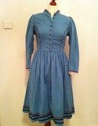 Vintage sukienka w drobne kwiatki retro folk
