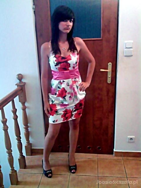 Eleganckie sukieneczkaa