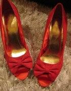 moje nowe czerwone szpilki