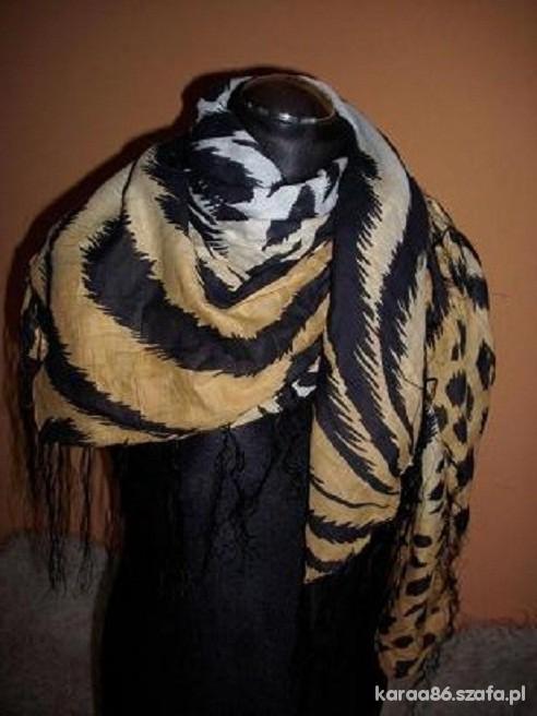 Chusty i apaszki tygrysia chusta