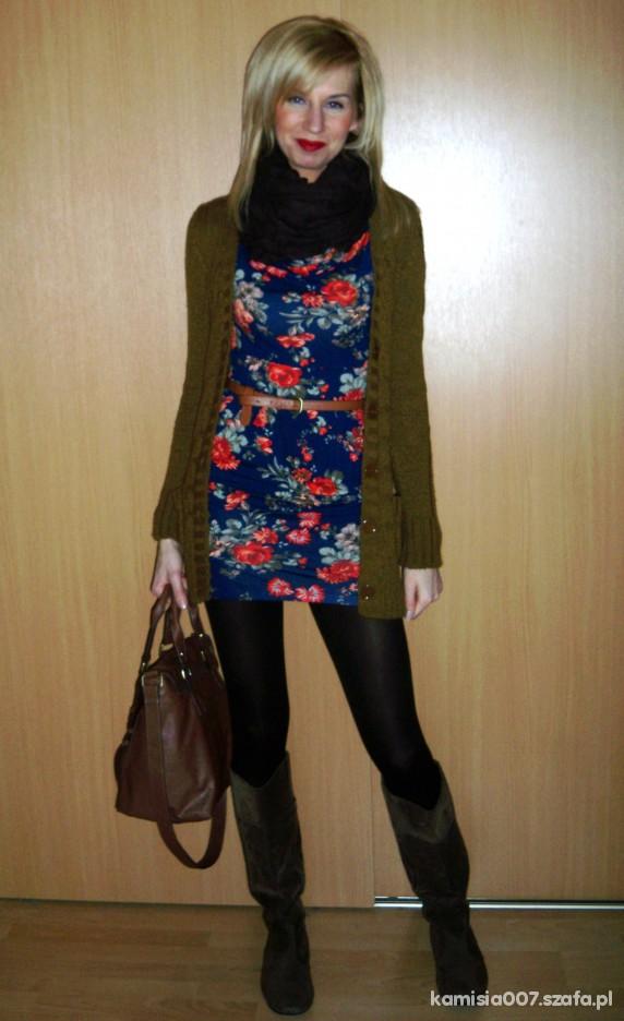 Mój styl Niebieska sukieneczka w kwiaty w dwóch wariantach