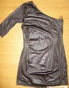 lateksowa sukienka