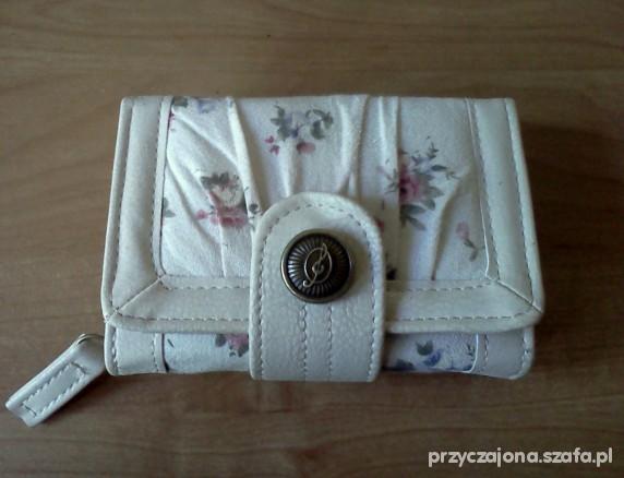 Portfele Portfel floral Stradivarius
