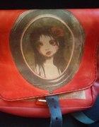Czerwona duża torba skórzana