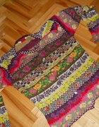 Kolorowy sweterek KENZO w różyczki...