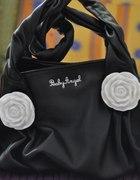 czarna torebka z białymi różami baby angel...