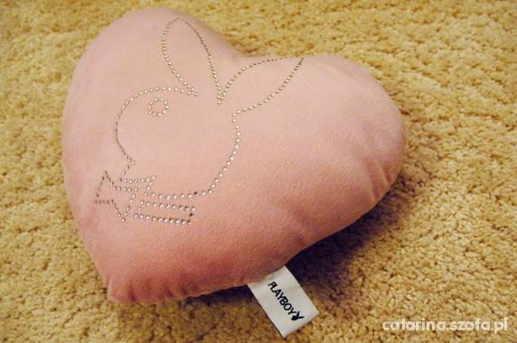 Zabawki Poduszka w kształcie serca Firmy PLAYBOY TANIO