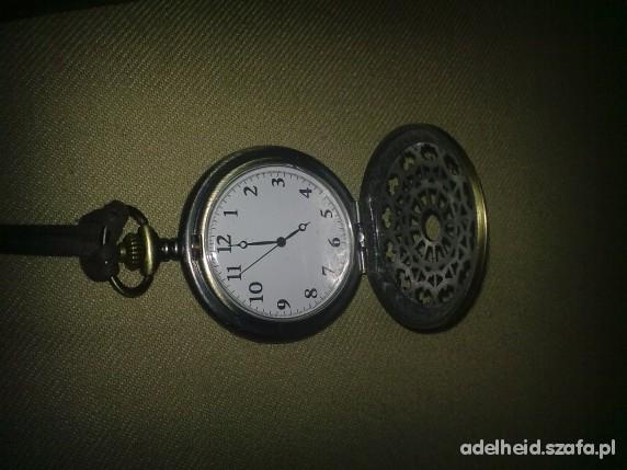 Zegarek na szyję Bershka VINTAGE...