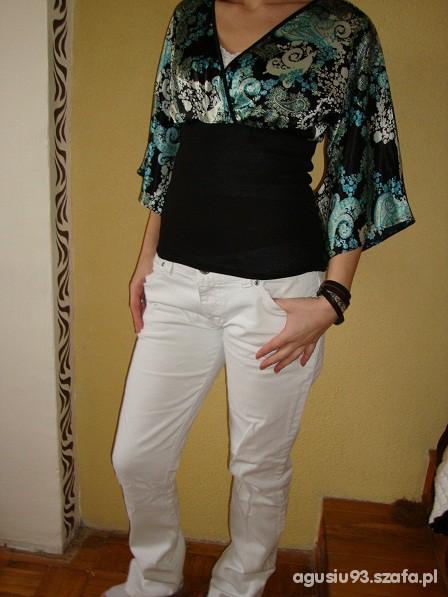 Wieczorowe bluzka i białe spodnie