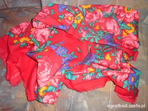 Chusty i apaszki czerwona w kwiaty folk etno hippie